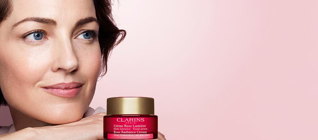 全新玫瑰亮肤霜 -效合一,绽现年轻魅力。 赋予肌肤细滑、明亮、均匀的肤色。