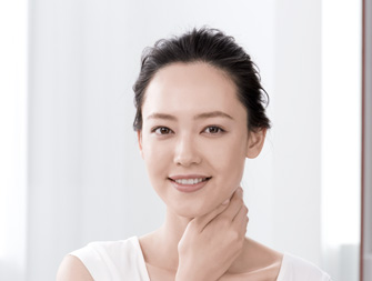 how to apply extra-firming neck cream video