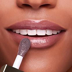 Dark Stone Lip Comfort Oil result on lips