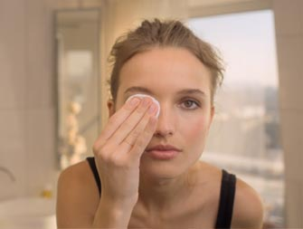 how to remove eye makeup video