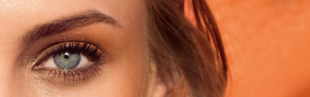 明媚双眸。
